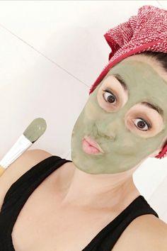 ¿Sientes que necesitas una limpieza profunda de tu piel? La arcilla verde limpia en profundidad tu piel, las impurezas en y ejerce una micro exfoliación gracias a la bentonita. Zero Waste, Beauty, Clay Masks, Deep Cleaning, Clays, Cleanses, Fat, Fur, Beauty Illustration