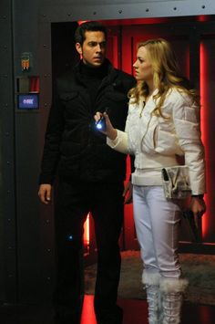 "Chuck Bartowski (Zachary Levi) and Sarah Walker (Yvonne Strahovski) in Chuck (2007) ""Chuck Versus The Family Volkoff"""
