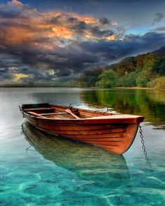 A small fishing boat in an Austria's lake. What a perfect place to relax in absolute calm ❤️ Landscape Art, Landscape Paintings, Landscape Photography, Nature Photography, Small Fishing Boats, Small Boats, Boat Art, Boat Painting, Seascape Paintings