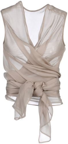 Pretty wrapped top. Love the way it ties.