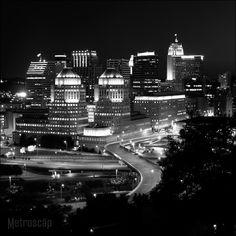 Black and White Photos of The Cincinnati Skyline from Mt. Adams - Metroscap.com