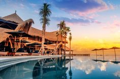 Things to do in Canggu Bali - Travel Treasures Finns Beach Club, Bali Travel Guide, Travel Tips, Surf Travel, Travel Destinations, Bali Baby, Canggu Bali, Infinity Edge Pool, Landscaping