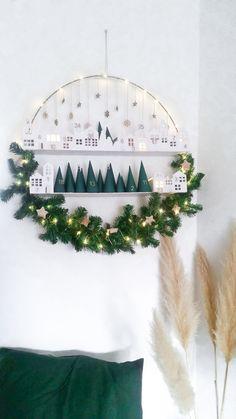 Advent calendar in the Advent wreath - Adventskalender - Noel Christmas Calendar, Noel Christmas, Winter Christmas, Christmas Fashion, Modern Christmas, Scandinavian Christmas, Scandinavian Style, Felt Christmas Decorations, Christmas Wreaths