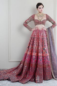 A-Line Wedding Dresses Collections Overview 36 Gorgeou… Indian Bridal Outfits, Indian Bridal Wear, Indian Designer Outfits, Designer Dresses, Indian Wear, Designer Bridal Lehenga, Bridal Lehenga Choli, Indian Gowns Dresses, Bridal Dresses