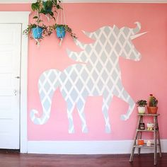 """""""So, I painted a thing on my wall. You can see the process on my blog tonight! #ScotchBlue #3MPartner"""""""