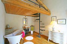 Une mezzanine, c'est de l'espace gagné. Oui, mais comment les rendre pratiques, esthétiques ou même originales ? 20 idées à piquer aux pros de la déco.