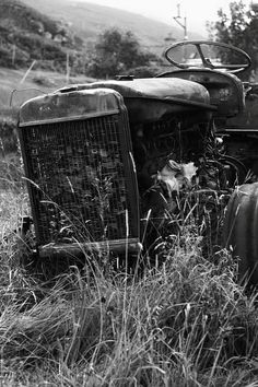 Tractor    Abandoned tractor outside Applecross.