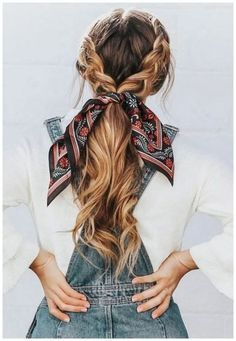 Setzen Sie mit farbenfrohen und wunderschönen Frisuren Akzente im Sommer Effortless hairstyles that you can rock anywhere and any time! Here are some of our favorite easy hairstyles for you to try now! Shaved Side Hairstyles, Scarf Hairstyles, Pretty Hairstyles, Hairstyle Ideas, Hairstyles 2018, School Hairstyles, Hairstyle Wedding, Hairstyle Short, Hair Wedding