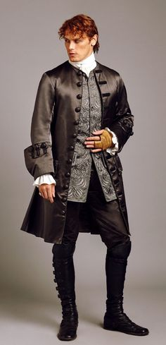 Sam as Jamie Fraser - Season 2 - gorgeous costume, gorgeous man!