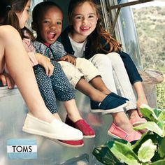 zulily | Daily deals for moms, babies and kids. Toms on sale starting at 18.99 for the kiddos! http://www.zulily.com/invite/agonzalez3366