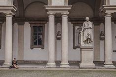 """Dans la cour de la Pinacoteca di Brera - """"24 heures à Milan (ou ma journée de non fashion victim)"""" by @Voyagesetc"""