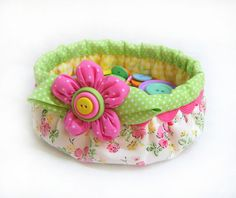A basket I think I could make without buying the .pdf pattern (by Seedlings Sewing Patterns).