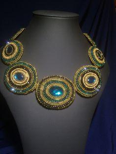 OOAK perle broderie bavoir collier « Magie verte », collier de perles de broderie, collier de perles  Très belle perle broderie collier avec