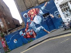 Fintan Magee's amazing street art in the streets of London!