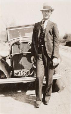 Bonnie And Clyde Musical, Bonnie And Clyde Death, Bonnie And Clyde Photos, Old Pictures, Old Photos, Vintage Photos, Westerns, Famous Outlaws, Bonnie Parker