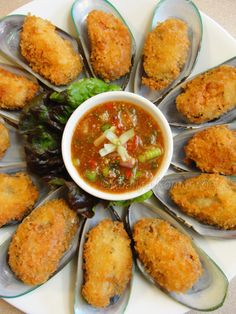 Fried Mussel with Spicy Tamarind Sauce