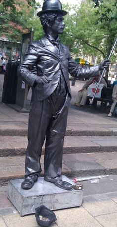 """Edinburgh Festival Fringe, """"the greatest cultural event on the planet,"""" will take place from 1 - 25 August 2014 in, where else, Edinburgh in Scotland of course! Mime Artist, Living Statue, Edinburgh Fringe Festival, Cultural Events, Statues, Festivals, Scotland, Europe, Rooms"""