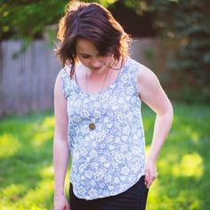 Sew your own tank top (with a zipper in the back) using this free tutorial!