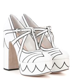 aa9163e58bcf Celebrity Shoes  Pixie Lott in Miu Miu cat print platform shoes ...