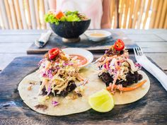 I made this Nusa Lembongan restaurant guide to help you maneuver all the new spots popping up all over the island. These places are laid back and good value