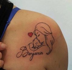 Top 50 Mom Tattoos for Son and Daughter - Tattoo Ideen - Tatuagens Ideias Mommy Tattoos, Mom Baby Tattoo, Tattoo Mama, Name Tattoos For Moms, Mother And Baby Tattoo, Motherhood Tattoos, Baby Name Tattoos, Tattoo For Son, Tattoos For Kids