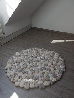 Felt stone carpet wool super soft with soft core by flussdesign