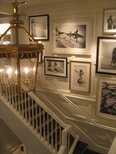 Ideas for Creating a Beach Art Gallery Wall - Sally Lee by the Sea - love this gallery on the staircase! Style At Home, Br House, House Art, Deco Champetre, Halls, Interior And Exterior, Interior Design, Interior Plants, Decoration Inspiration