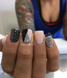 Nails, gel nails и acrylic nail designs pictures. Fancy Nails, Cute Nails, Pretty Nails, My Nails, Glittery Nails, Silver Glitter, Glitter Rosa, Glitter Uggs, Cute Simple Nails