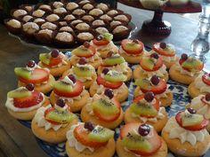 Fresh fruit tart-let