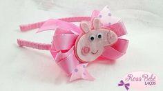 RBL348-{Tiara Peppa Pig (poá azul bebê)} Ribbon Hair Bows, Diy Hair Bows, Diy Bow, Bow Hair Clips, Headband Tutorial, Diy Headband, Baby Headbands, Peppa Pig, Making Hair Bows