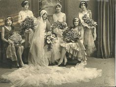 Bridal party c.1920s stunning bouquets