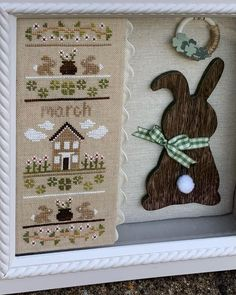 Andria a partagé une photo sur Instagram : « Ready for March! I love the versatility of these @countrycottageneedleworks patterns - if something… » • Regardez les 93 photos et vidéos sur son profil. Country Cottage Needleworks, Display Ideas, Cross Stitch, Photos, March, It Is Finished, Craft Ideas, Patterns, My Love
