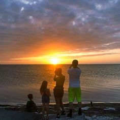 Too beautiful not to take a picture! When the teenagers break out their phones, you know its something special! 📷: Mariana Geca Candow   #PhotoWorthy #SomethingSpecial #StGeorgeIslandFL #RVPSGI    #Regram via @www.instagram.com/p/B5WHAHEni5K/