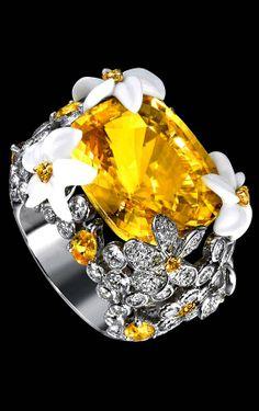 Piaget Limelight Paradise frangipani-flower inspiration ring