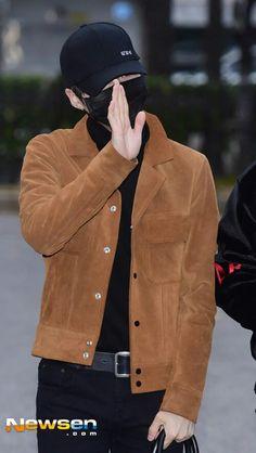 Suga ❤ BTS Arrival at Music Bank #BTS #방탄소년단