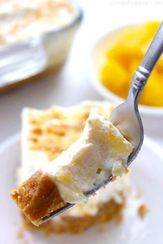 Pineapple Delight- Perfect cold dessert for summer bbqs or potlucks. So refreshing! Fluff Desserts, Cold Desserts, Summer Desserts, Just Desserts, Delicious Desserts, Yummy Food, Baking Recipes, Snack Recipes, Dishes Recipes