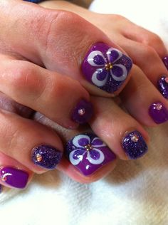 Image via Cute Red Toe Nail Art Designs, Ideas, Trends & Stickers 2015 Image via How to get rid of foot nail fungus (fast)? Toe Nail Fungi: You must realise that this nail is dead Toenail Art Designs, Pedicure Designs, Pedicure Nail Art, Nail Polish Designs, Toe Nail Art, Flower Toe Nails, Flower Nail Art, Pretty Pedicures, Pretty Nails