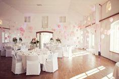 wedding with 800 balloons (27)