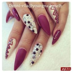Nice pointy nail design autumn occasions