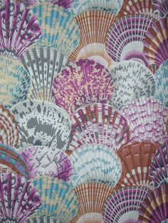 Cerise and Teal Scallop Shell Print Pure Cotton Fabric. Philip Jacobs for Wesminster Scale-like composition reminds me of hand-painted fans from my trip to Valencia in March this year. Fabric Wallpaper, Pattern Wallpaper, Textures Patterns, Print Patterns, Nautical Prints, Custom Made Curtains, Scallop Shells, Tropical, Shell Art