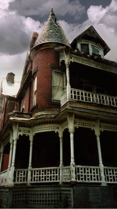 Another forgotten Victorian on Brownell Street in Pittsburgh,PA.