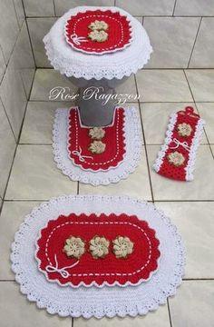 Rose Ragazzon Crochê: Jogo de Banheiro Babado Duplo Vermelho/Branco