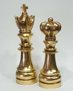 Chess Pieces Decor King Queen Figurine Statue Gold Modern Library Art Home New Library Art, Modern Library, Chess King And Queen, King Queen, Chess Piece Tattoo, Queen Chess Piece, Paar Tattoo, Chess Set Unique, Queen Aesthetic