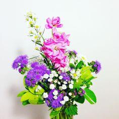 Roxo e rosa: dupla dinâmica #oitominhocas #arranjofloral #floweroftheday #decoração #plantinhas