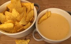 Snack Recipes, Healthy Recipes, Tortilla Chips, Nachos, Cheddar, Thai Red Curry, Healthy Living, Food And Drink, Tasty