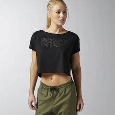Reebok CrossFit Domination Cropped Tee (€27) ❤ liked on Polyvore featuring tops, t-shirts, apparel, black and reebok