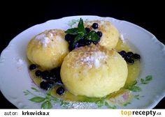 Kynuté borůvkové knedlíky recept - TopRecepty.cz Eclairs, Dumplings, Baked Goods, Pizza, Eggs, Bread, Baking, Breakfast, Pastries