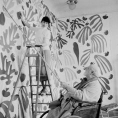 Matisse working at the Hôtel Régina, Nice, c. 1952 on The Parakeet and the Mermaid