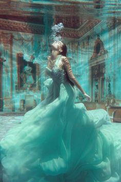 Creative beauty UNDER WATER PHOTOGRAPHY