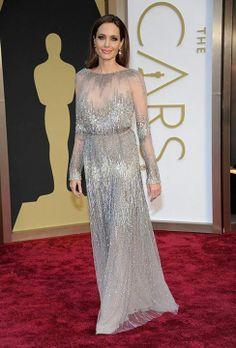 انجلينا جولي بفستان ايلي صعب